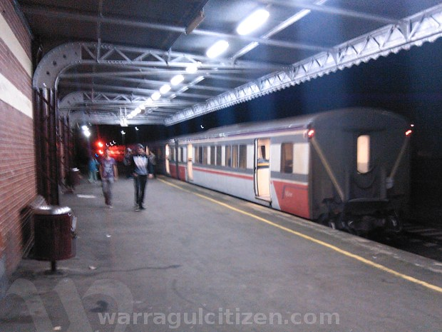 train depart warragul doors open